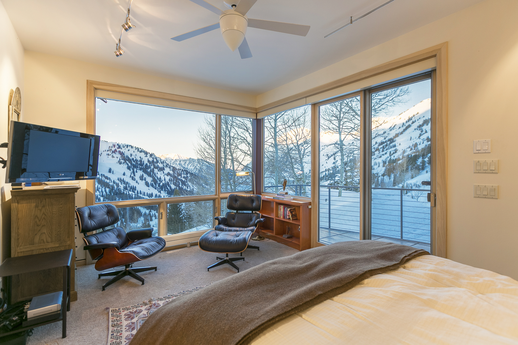Rare-Alta-Ski-Home-Albion-Basin-Rd-Windermere-Luxury-Portfolio-International-21-2